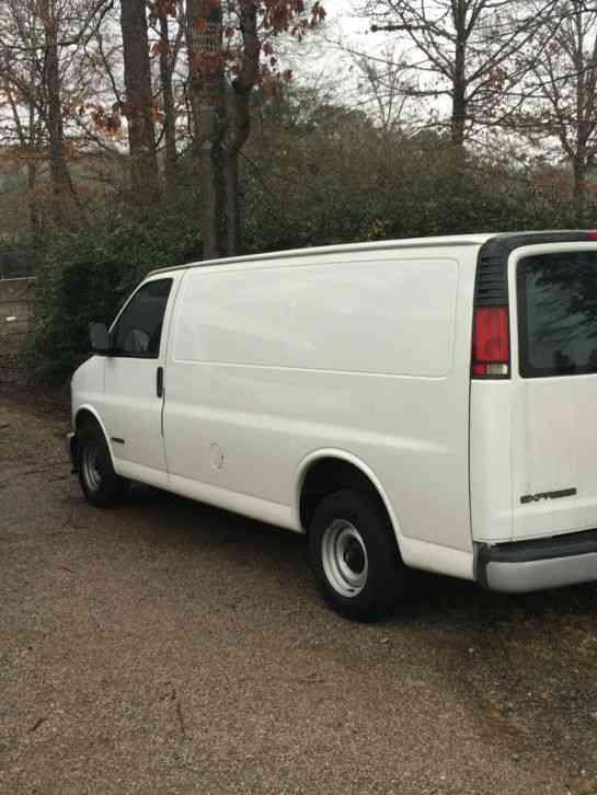 Chevrolet Express Cargo Van 1500  2002    Van    Box Trucks
