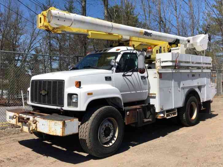CHEVY C8500 BUCKET TRUCK (2002)