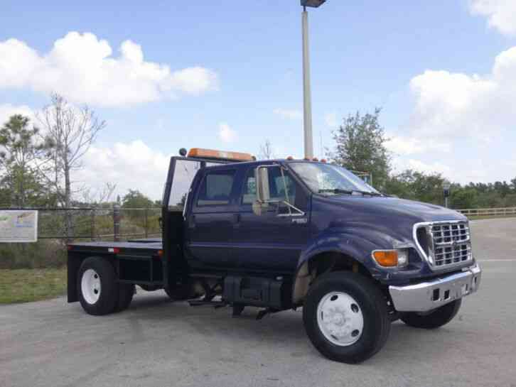 Ford F650 Super Duty Flatbed Truck (2002)