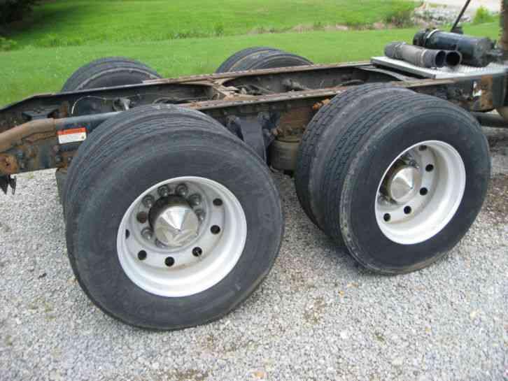 Semi Tractor Front Axle : Sterling sleeper semi trucks