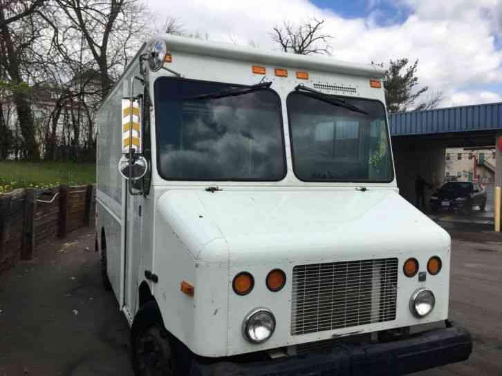 Van Box Trucks Deals Amp Offers Freightliner