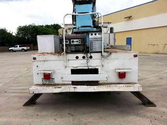 Gmc C6500 Truck Wilkie 540 Crane 2002 Bucket Boom Trucks