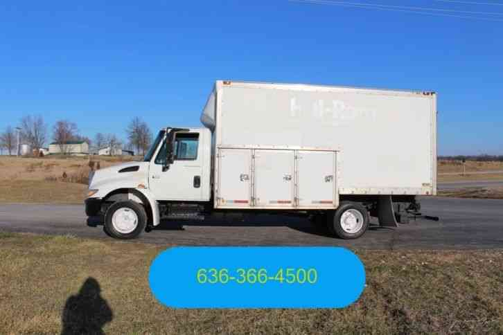 International 4300 2002 van box trucks for 16 box auto