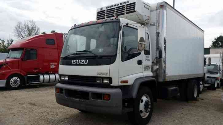Isuzu Ftr  18ft Reefer Body Ftr  2002    Medium Trucks
