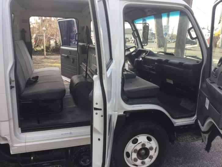 Isuzu Npr Hd 2002 Van Box Trucks