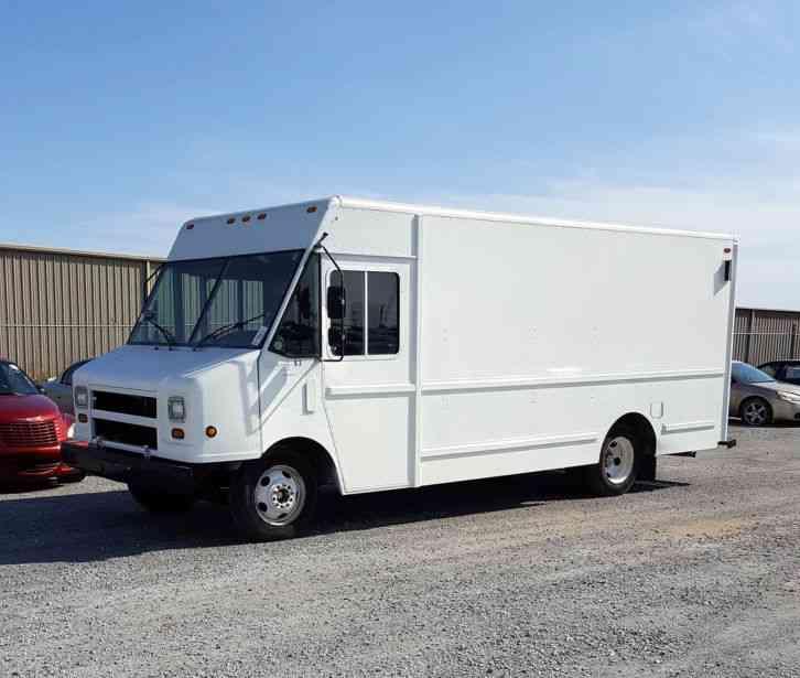 Workhorse 2002 Van Box Trucks