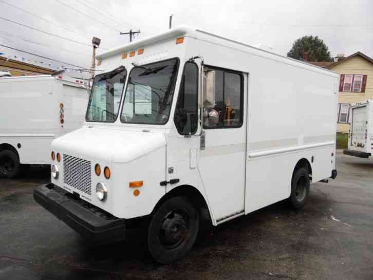 Workhorse P500 CHEVY CHASSIS STEP VAN DELIVERY TRUCK (2002