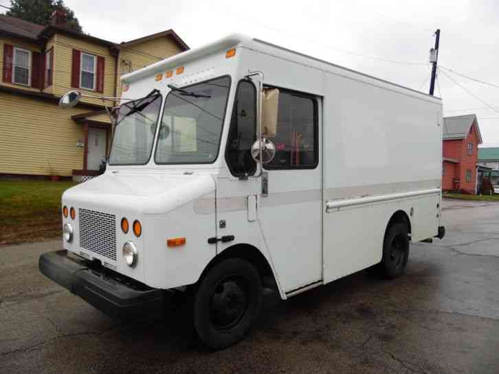 Workhorse P500 CHEVY CHASSIS STEP VAN DELIVERY TRUCK (2002)