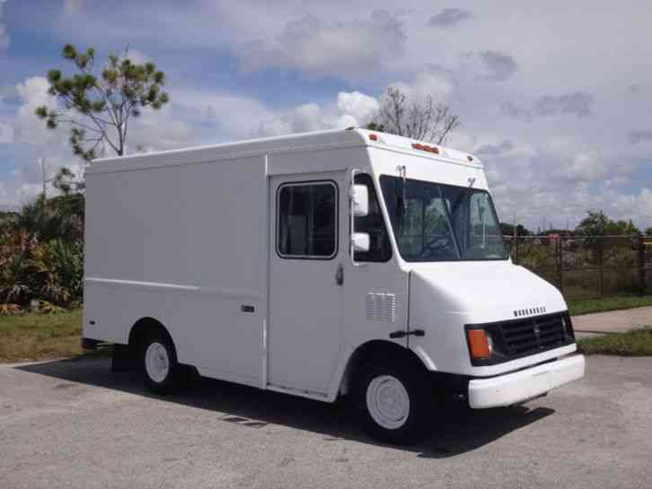 Workhorse P42 Step Van 2002 Van Box Trucks