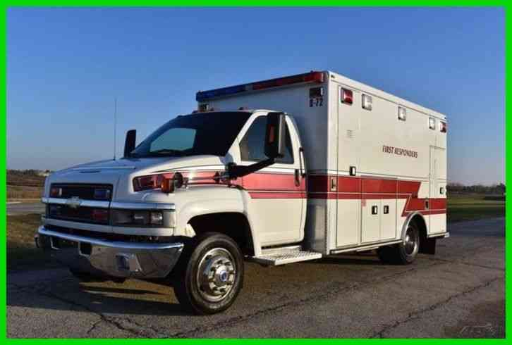Chevrolet C6500 Ambulance (2003)
