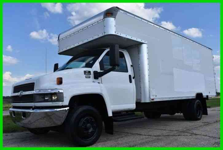 Chevrolet C5500 18Ft Box Truck W/ Attic (2003)