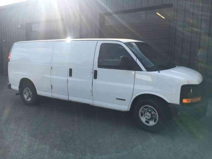 Chevrolet Express 2003 Utility Service Trucks
