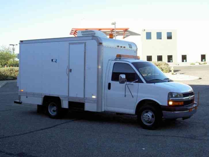 Chevrolet 2003 Utility Service Trucks