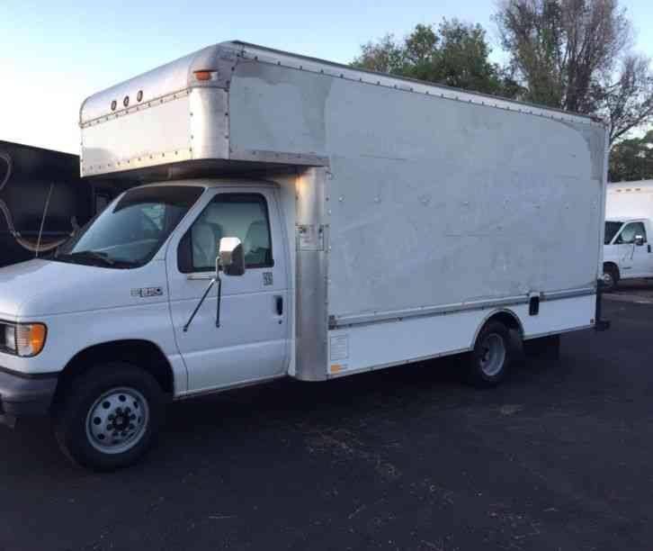 Ford Cutaway  2001    Van    Box Trucks