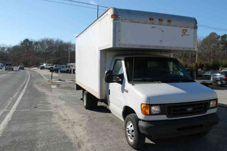 Ford E350 Cutout Box Truck  2003    Van    Box Trucks