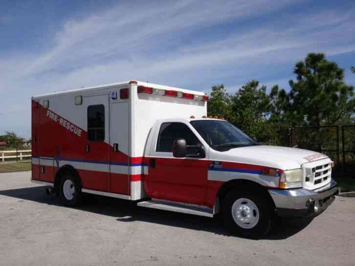 Ford F350 Super Duty Ambulance (2003)