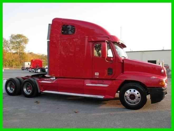 Freightliner Century Classic Raised Roof Sleeper 2003 Sleeper Semi Trucks