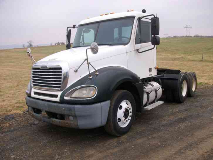 Freightliner columbia 2003 daycab semi trucks for Freightliner mercedes benz