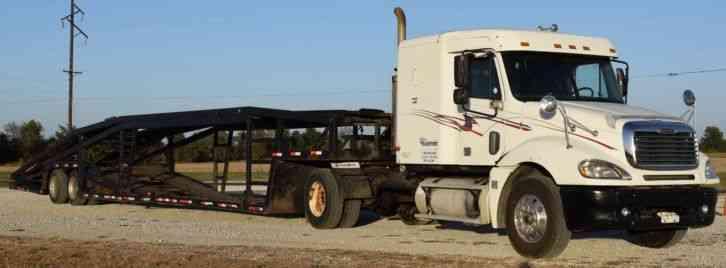 Freightliner Columbia 2003 Sleeper Semi Trucks
