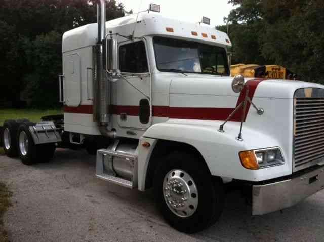 Freightliner Fld120 2003 Sleeper Semi Trucks