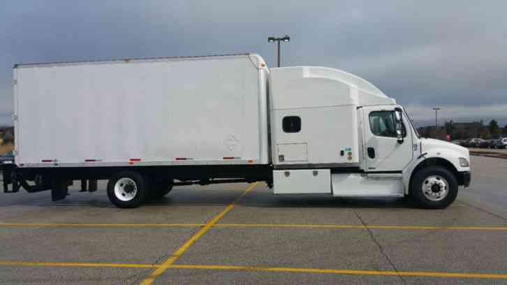 Freightliner M2 Business Extended Bunk Expeditor Box Hot Shot Truck (2003)