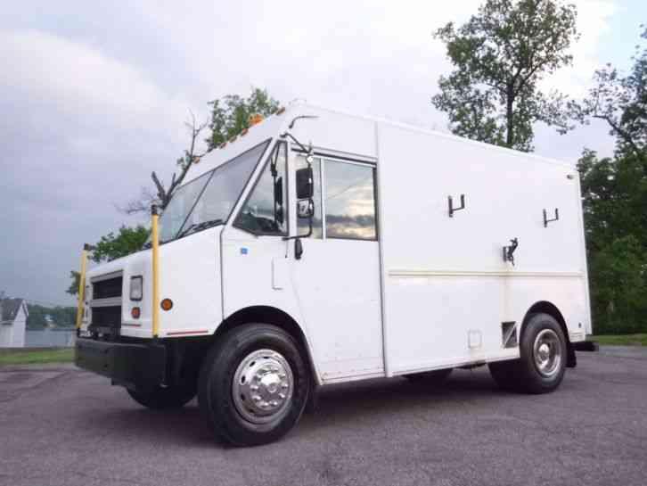 Freightliner Mt55 2003 Van Box Trucks