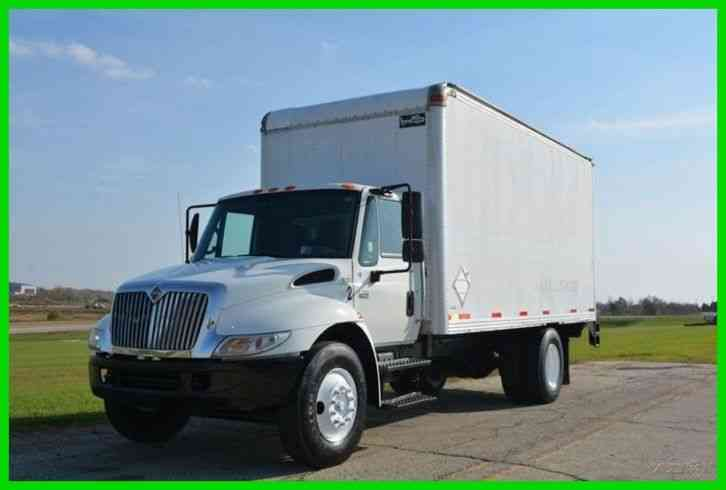 International 4200 18ft Box Truck 2003 Van Box Trucks
