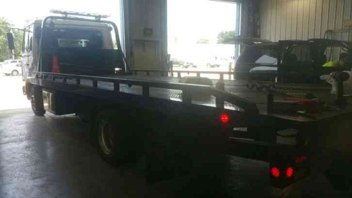 Flatbed Tow Truck >> NISSAN UD (2003) : Flatbeds & Rollbacks