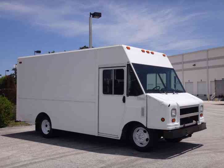 Workhorse P42 Step Van 14ft (2003)