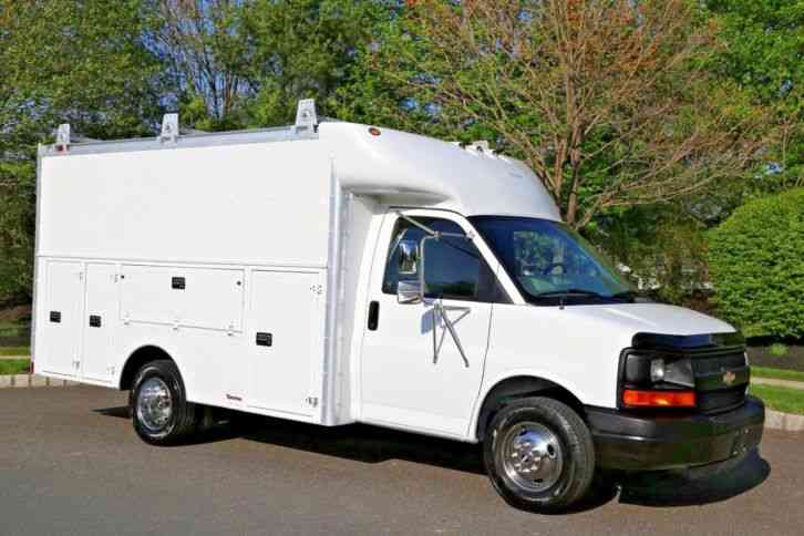 Chevrolet Express 3500 2004 Utility Service Trucks