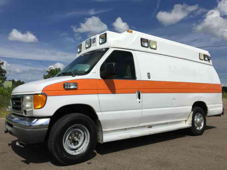 Ford E350 Medix Ambulance (2004) : Emergency & Fire Trucks