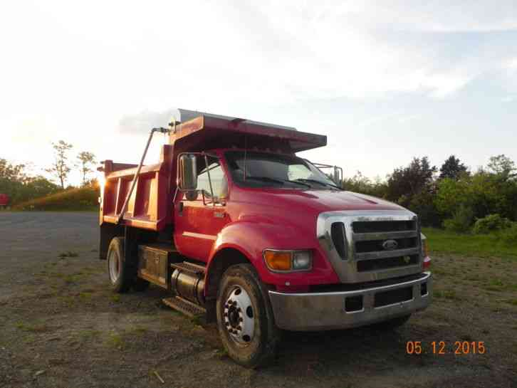Ford F650 2004 Sleeper Semi Trucks