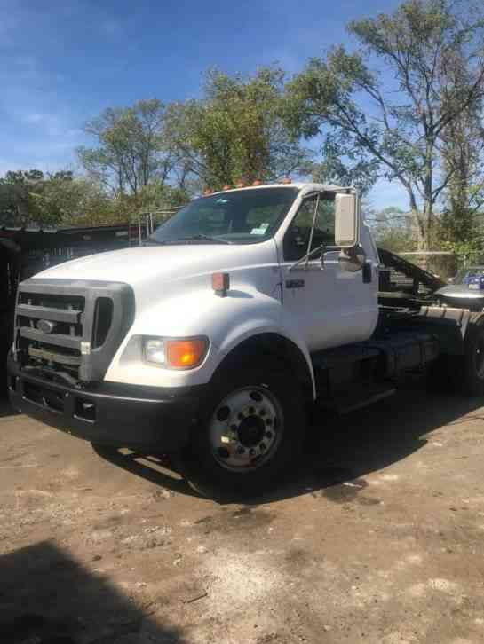 Ford F750  2004    Daycab Semi Trucks