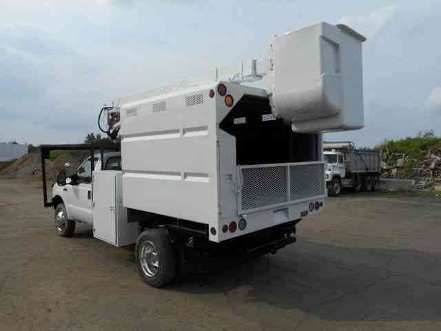 Ford F550 Bucket Boom Chipper Dump Truck Diesel 2004
