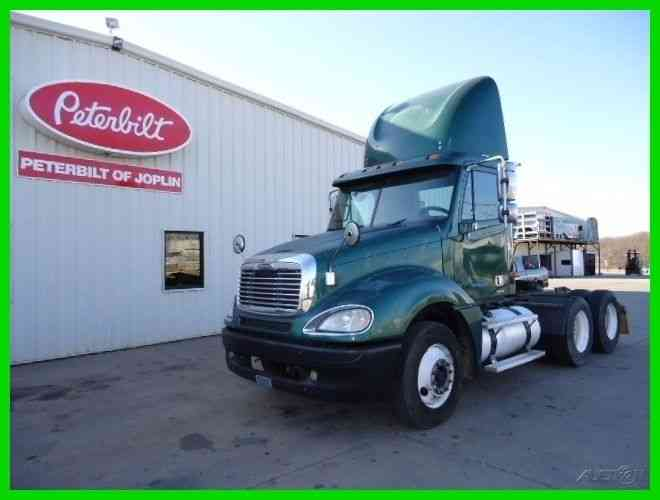 International 8100 (2001) : Daycab Semi Trucks