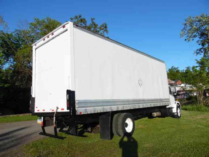 Car Service Near Me >> Freightliner FL70 26FT BOX STRAIGHT TRUCK 3126 CATERPILLAR (2004) : Van / Box Trucks