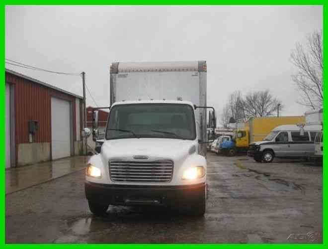 FREIGHTLINER M2 C7 CAT AUTO 24' VAN BODY WITH LIFT GATE ''''UNDER CDL''''' (2004)