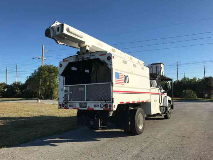 GMC C7500 2004 Bucket Boom Trucks