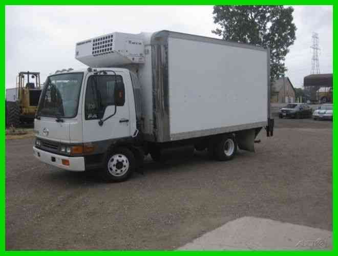 HINO FA15117 4 CYL TURBO DIE 14' INSULATED BOX (2004)