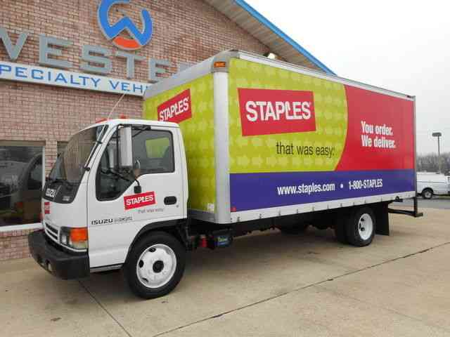 Isuzu Box Truck 2004 Van Box Trucks
