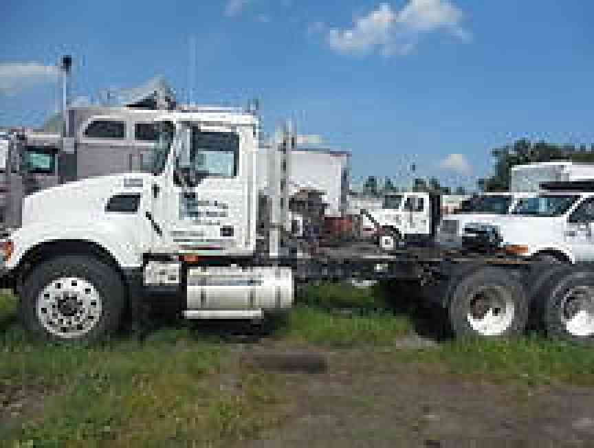 Mack Truck Cat Walk : Mack cv daycab semi trucks
