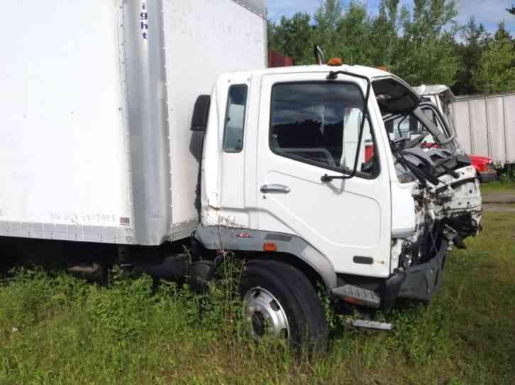 Semi Truck Tires Near Me >> Mitsubishi FM617 (2004) : Van / Box Trucks