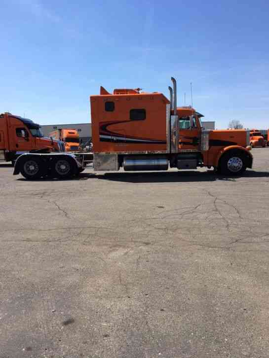 Peterbilt 379  2004    Sleeper Semi Trucks