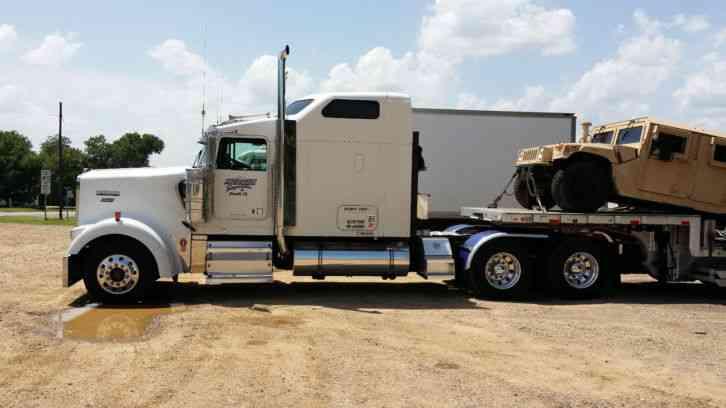 Kenworth W900 2004 Sleeper Semi Trucks