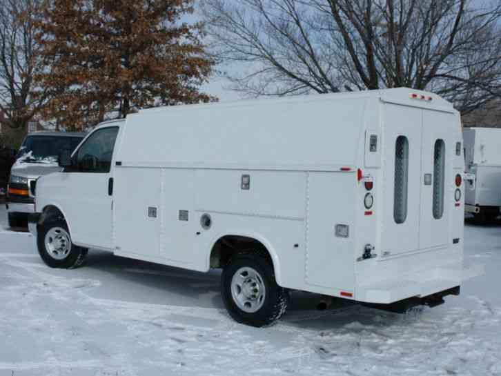 Chevrolet 3500 KUV SERVICE / UTILITY VAN (2005) : Utility / Service