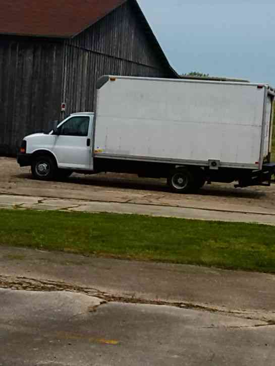 Isuzu Npr 2006 Van Box Trucks