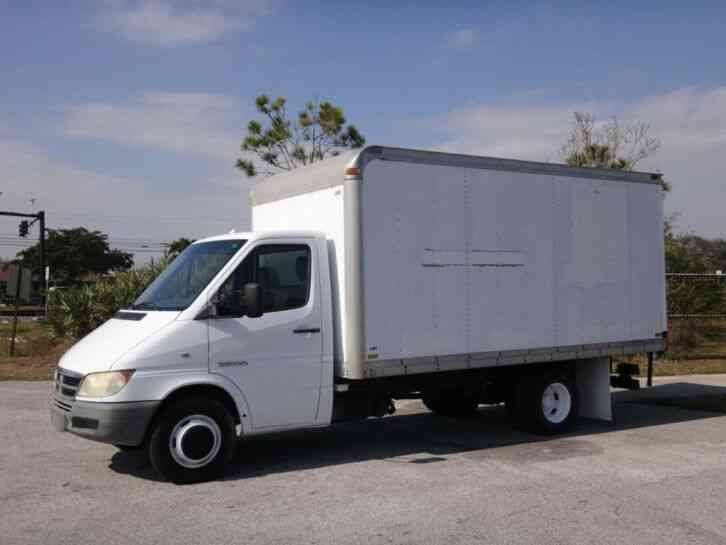 Dodge Sprinter 3500 158WB Box Truck (2005)