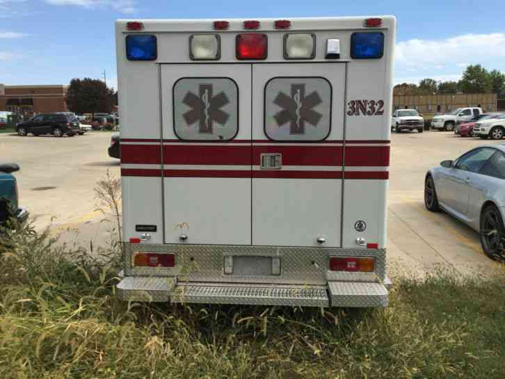 Ford E350 Super Duty 2005 Emergency Amp Fire Trucks