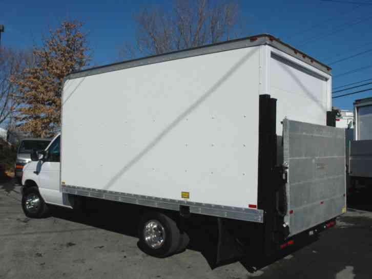 Ford 15 Ft Box Truck Lift Gate Diesel 2005 Van