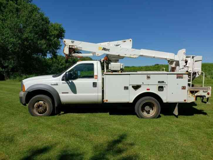 Ford F-550 bucket truck with a AT37G boom, 4X4, Diesel, NO RESERVE (2005)